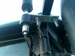 Another Rollcage/Bullbar mount fitted with artificial ground, this time on a plastic coated mirror arm of a tractor